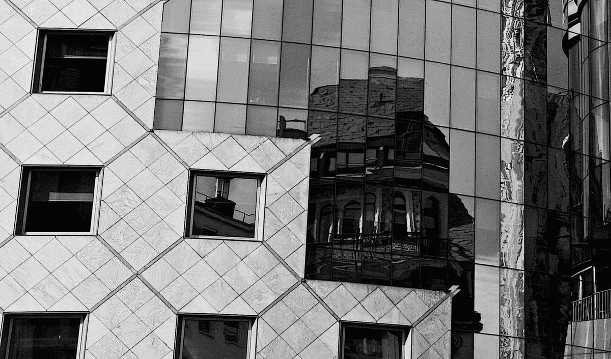 Wiener Spiegel / Viennese mirror